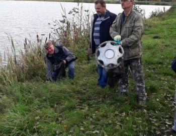 17-X-2019 r Sprzątanie zalewu w Makowie Mazowieckim